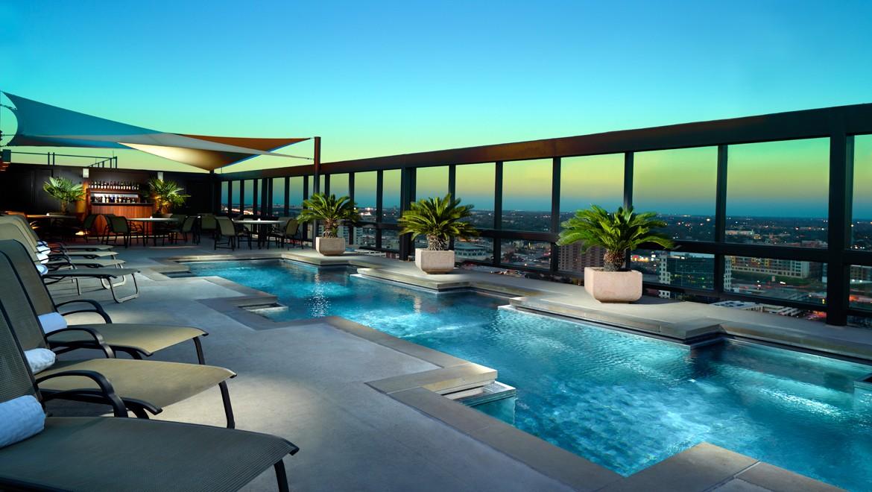 ausctr-omni-austin-hotel-downtown-evening-pool