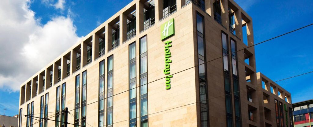 holiday-inn-manchester-city-centre-1